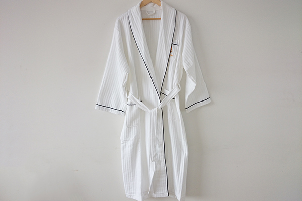 Professional High Quality White Waffle Bathrobe for Hotel