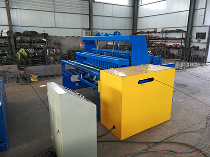 Full-automatic coal mine support net braiding machine