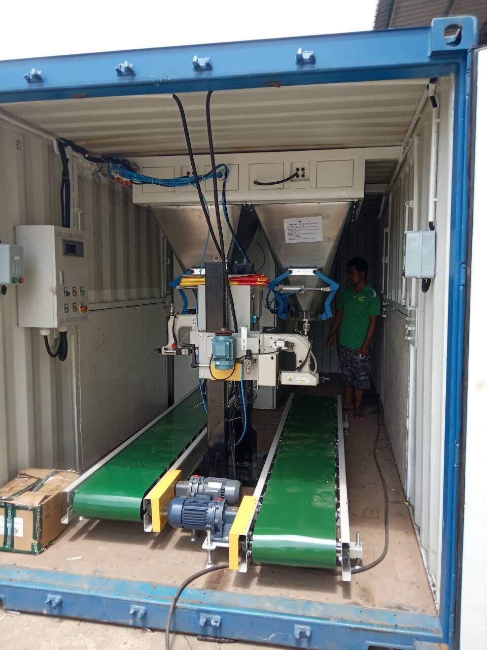 MOBILE RICE BAGGING MACHINES containerized bagging system Mobile Bagging Unit MOBILE BAGGING MACHINES for Grains, pulses, iodised salts, sugar Containerised bagging system