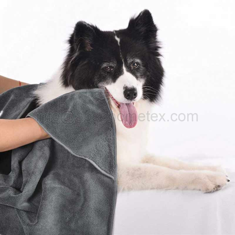 1001TE Dry Microfiber Dog & Cat Bath Towels with Two Triangular Pocket