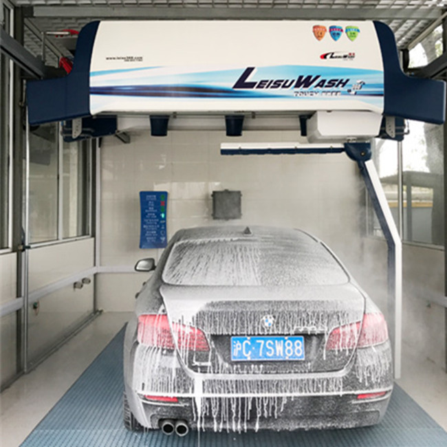 Leisuwash 360 touch free car wash machine