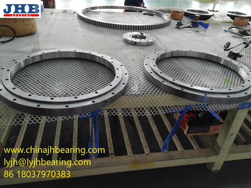 ball Slewing bearing 230.20.0800.503 with size 948x734x56