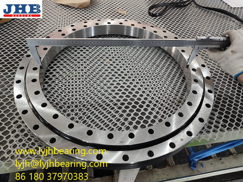 585DBS164Y Slewing bearing 585x810x85mm belong to four point contact ball bearing with internal teeth