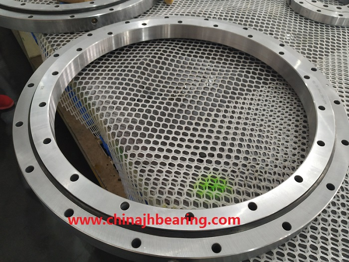 Slewing bearing China factory offer 20.0644.200- PNN the size:716x572x56mm