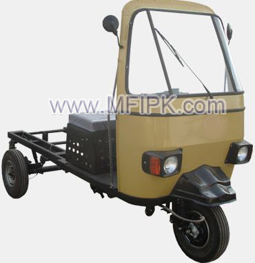 Three wheeler Loader