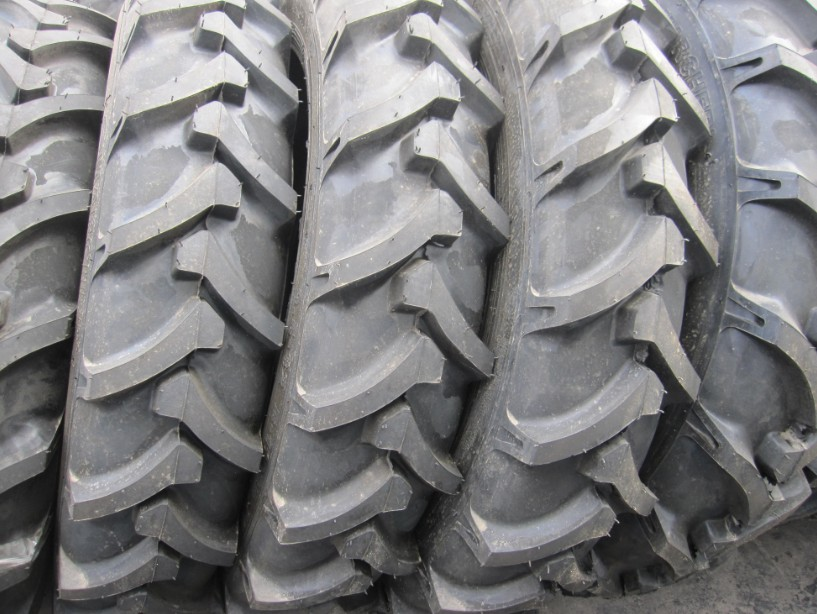 Agricultural tire 9.5-32-R-1
